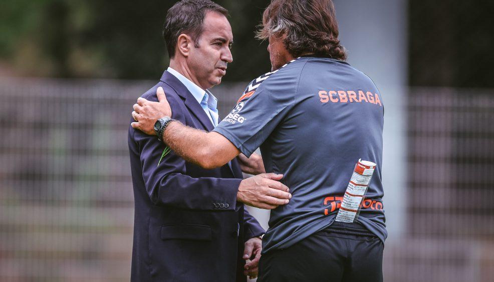 Stojiljkovic e Eduardo no plantel 6