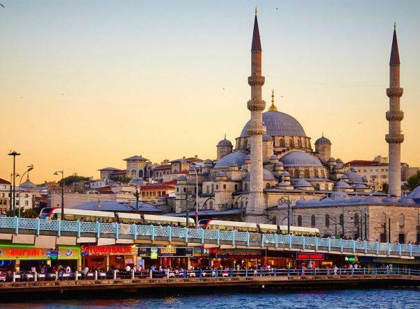 Legião catedrática na Turquia 1