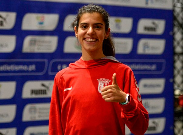 Mariana sagra-se campeã nacional de 1500 metros de Pista Coberta