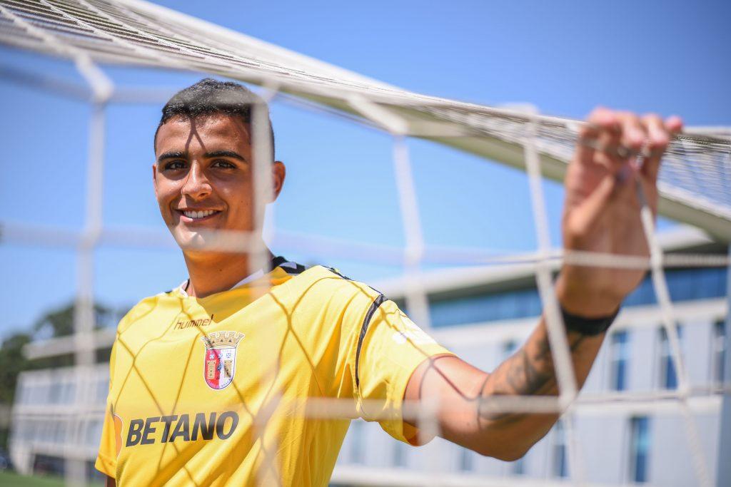 Bernardo Fontes reforça os Sub-19 3