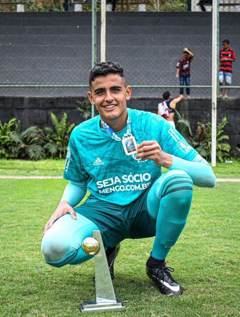 Bernardo Fontes reforça os Sub-19 7