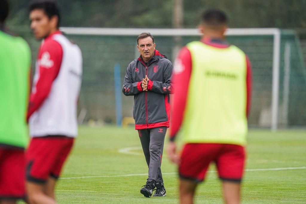 """Carlos Carvalhal: """"Estamos preparados para as dificuldades do jogo"""" 2"""