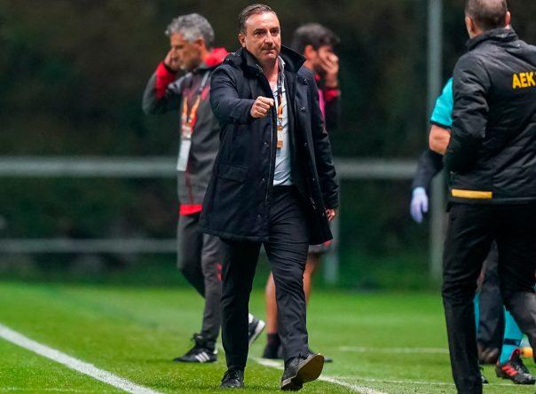 """Carlos Carvalhal: """"Estou satisfeito com o comportamento dos jogadores"""" 1"""