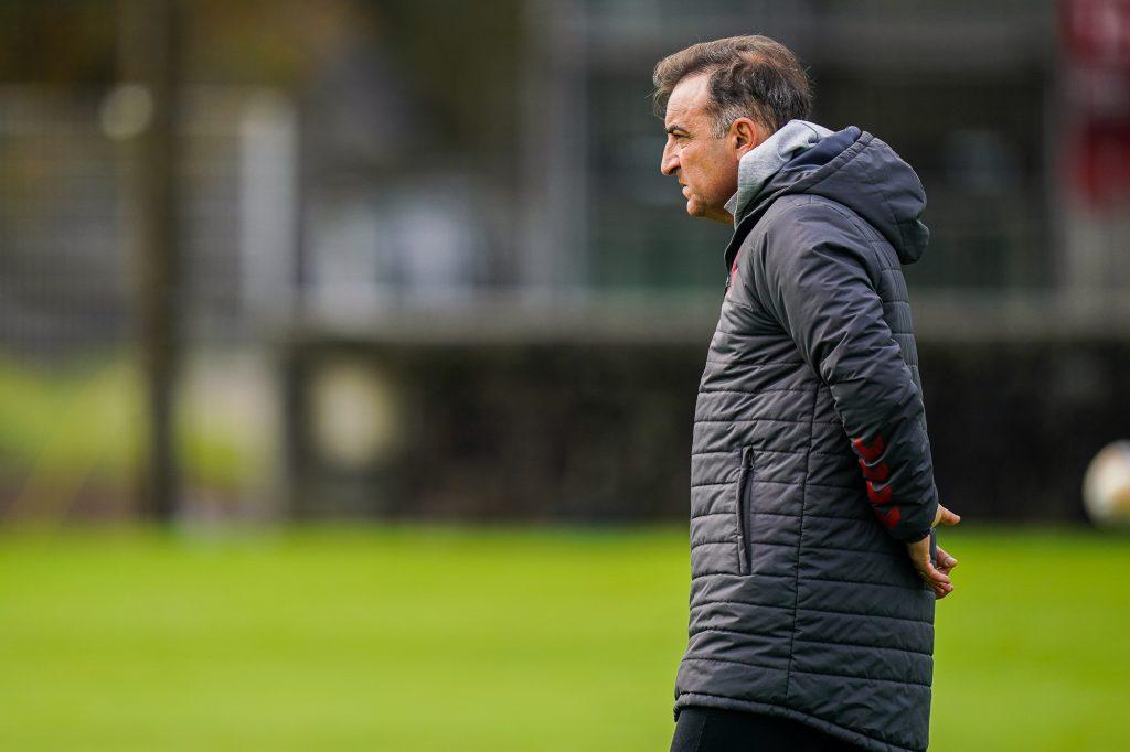 """Carlos Carvalhal: """"Temos de ser uma equipa completa"""""""
