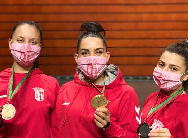 Gverreira medalhadas na 1ª Liga de Karaté