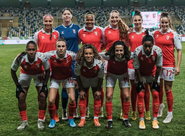 Presidente felicita equipa de Futebol Feminino