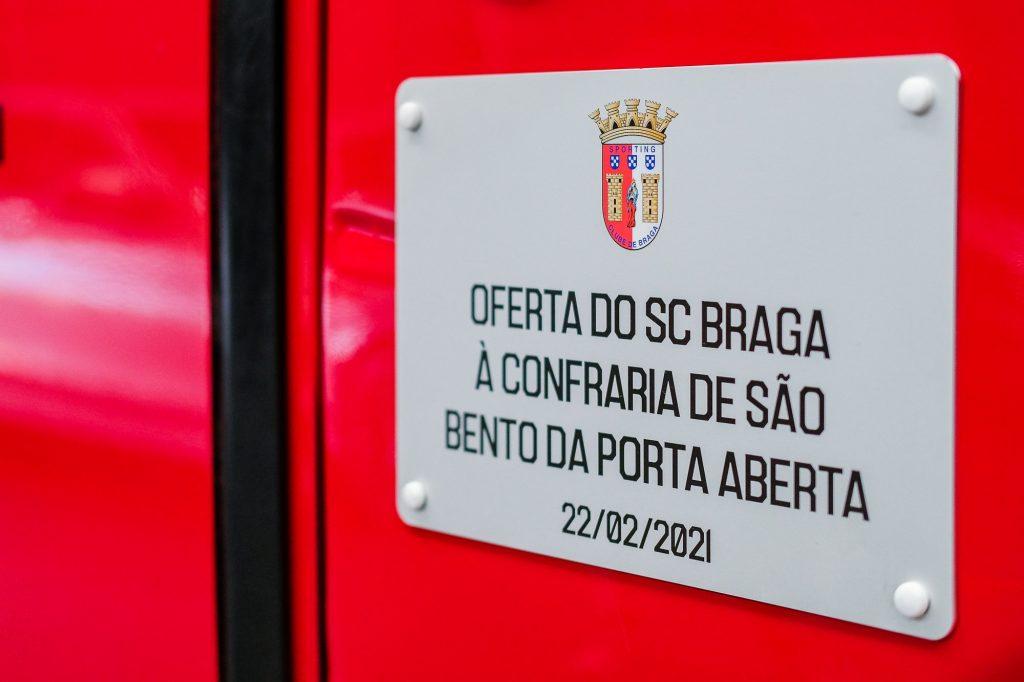 SC Braga doa autocarro à Irmandade de São Bento da Porta Aberta 3