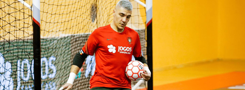 Vítor Hugo titular na vitória da Seleção 1