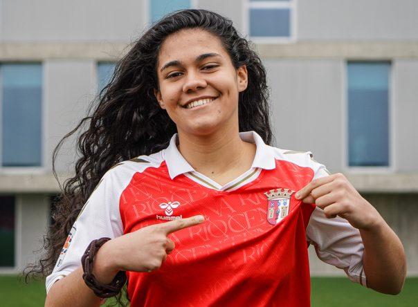 Joana Silva assina contrato de formação 3