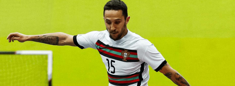 Miguel Ângelo ajuda Seleção a carimbar presença no Europeu 2