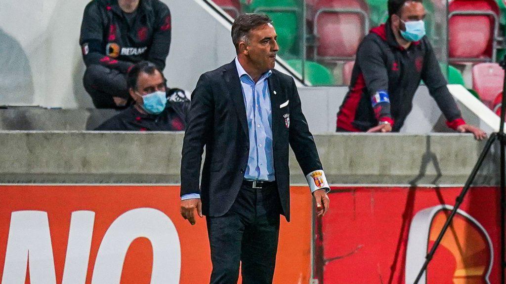"""Carlos Carvalhal: """"Não estamos a conseguir fazer golos"""""""