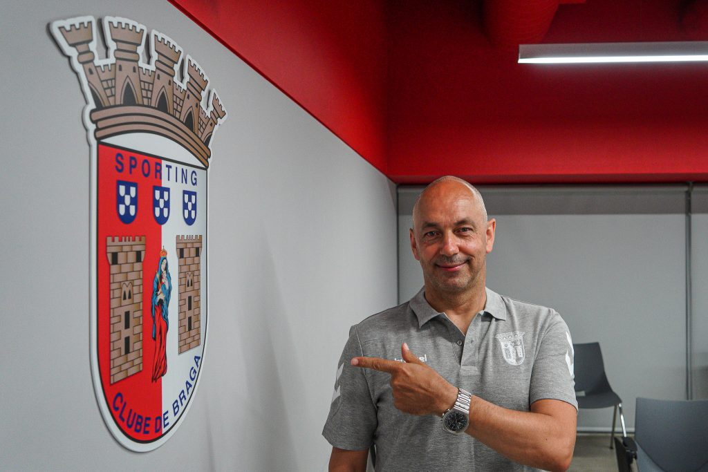 Óscar Barros é o novo treinador da equipa de voleibol 4