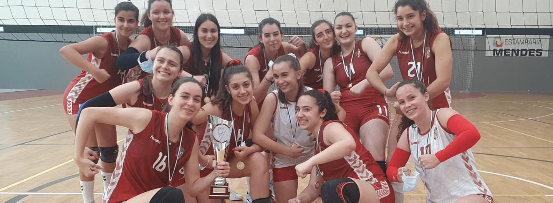 Juvenis de voleibol sagram-se campeãs regionais 2