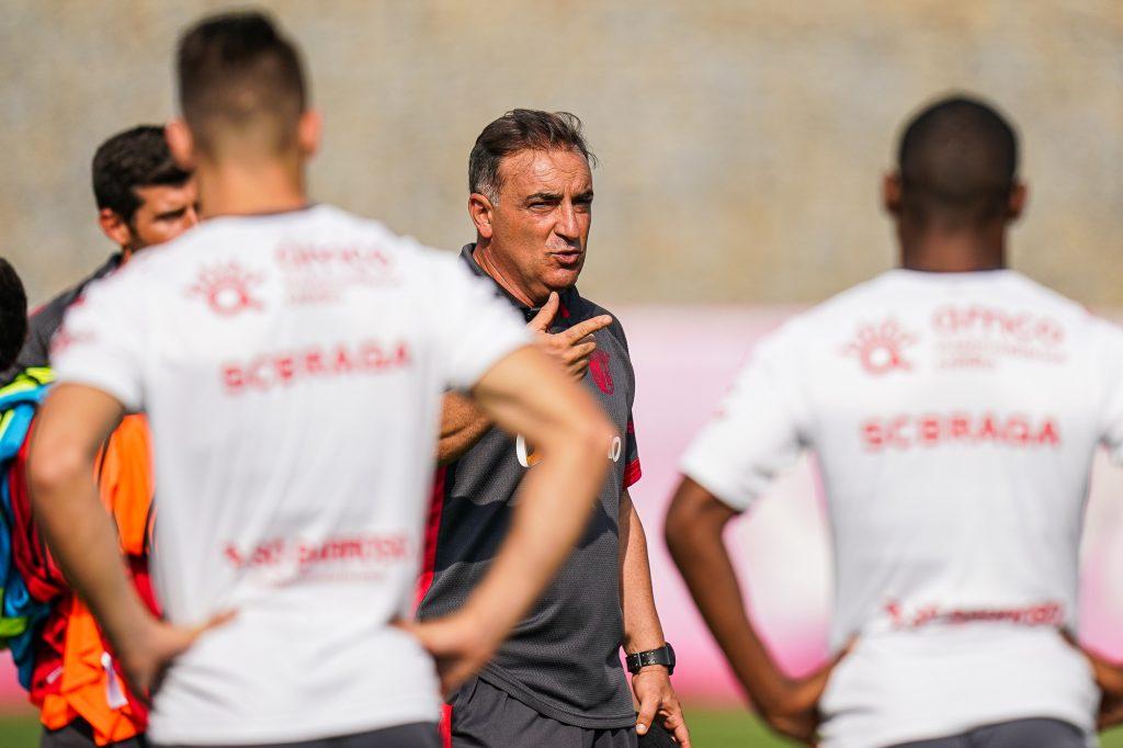 """Carlos Carvalhal: """"A nossa equipa gosta destes desafios"""" 2"""