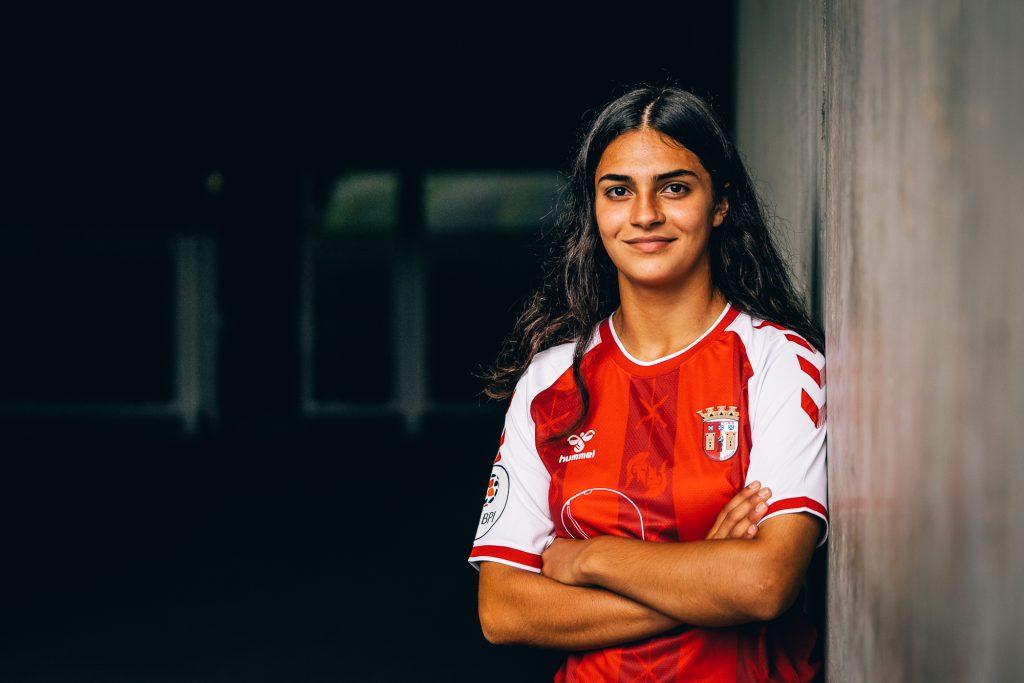 Margarida Rodrigues assina contrato de formação 1