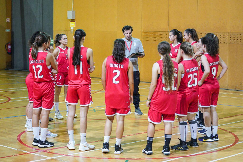 Equipas séniores de basquetebol para o arranque do campeonato 1