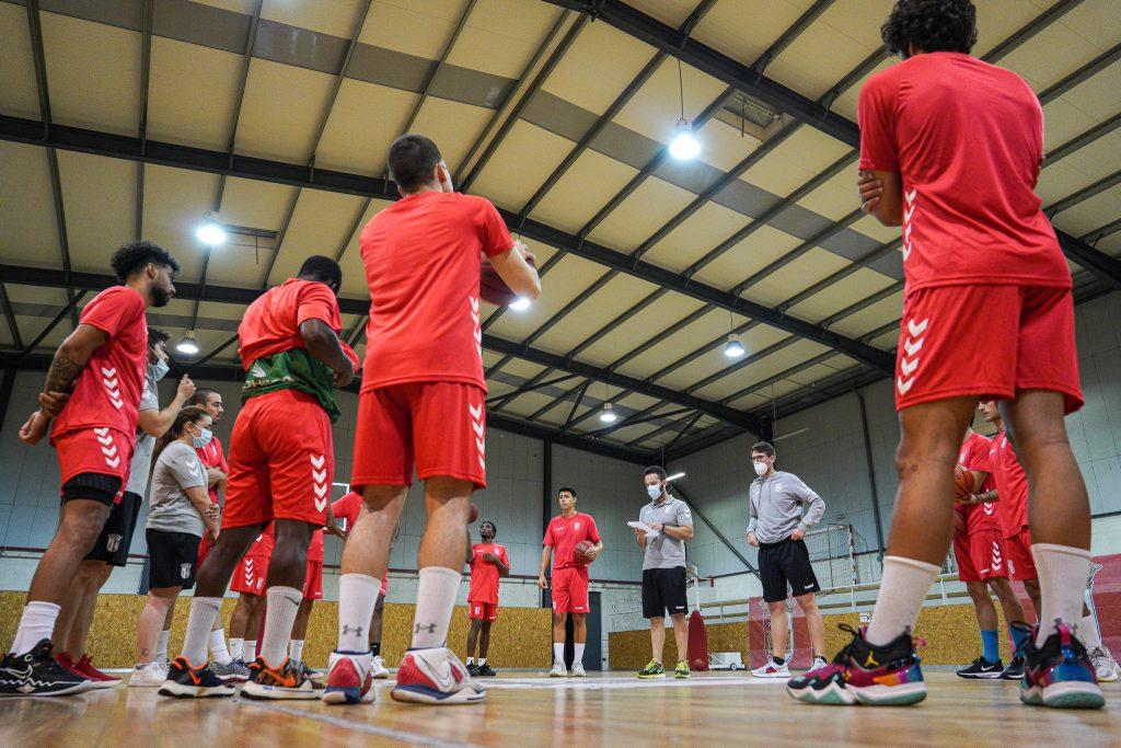 Equipas séniores de basquetebol para o arranque do campeonato